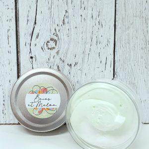 Crème fouettée nettoyante 2 en 1 Baies et melon 150g